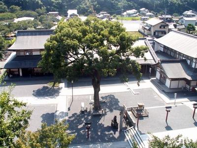 鹿島・祐徳稲荷の中庭