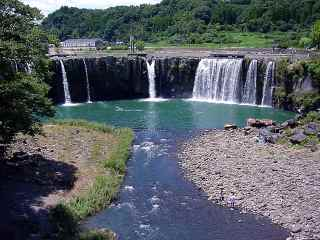原尻の滝(大分県緒方町)