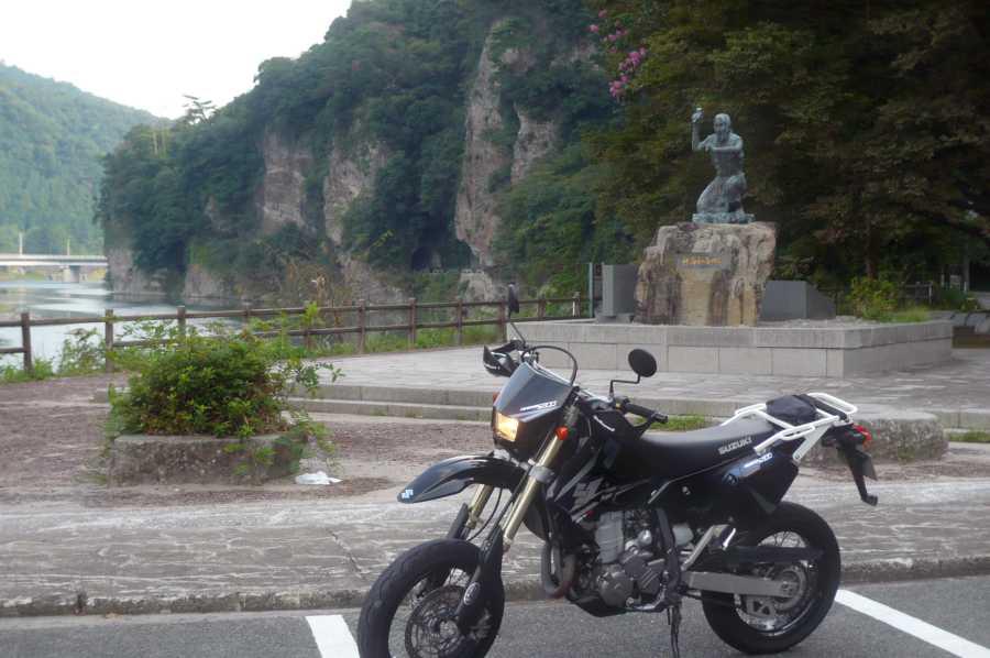 MotoGear/バイクのある風景【 】